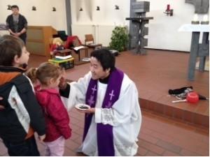 Aschekreuz durch unseren Pastor